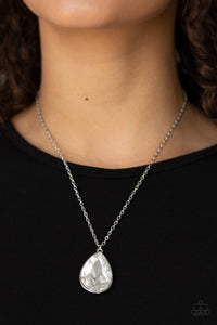 Paparazzi Jewelry Necklace So Obvious - White