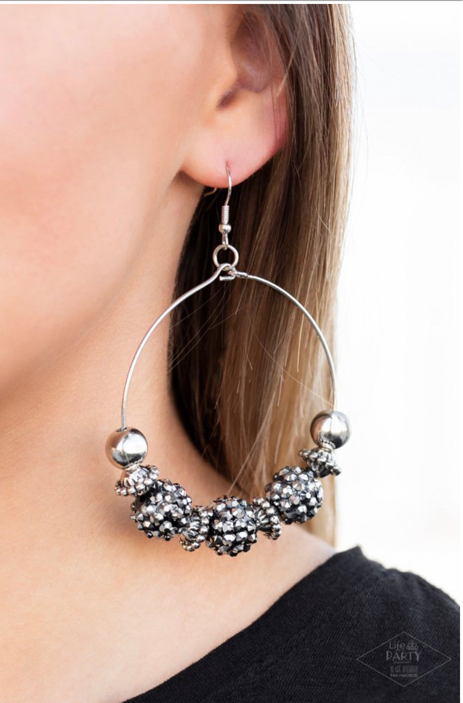 Paparazzi Jewelry Earrings  I Can Take a Compliment