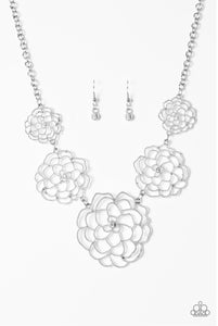Paparazzi Jewelry Necklace  Crowned Carnation - White