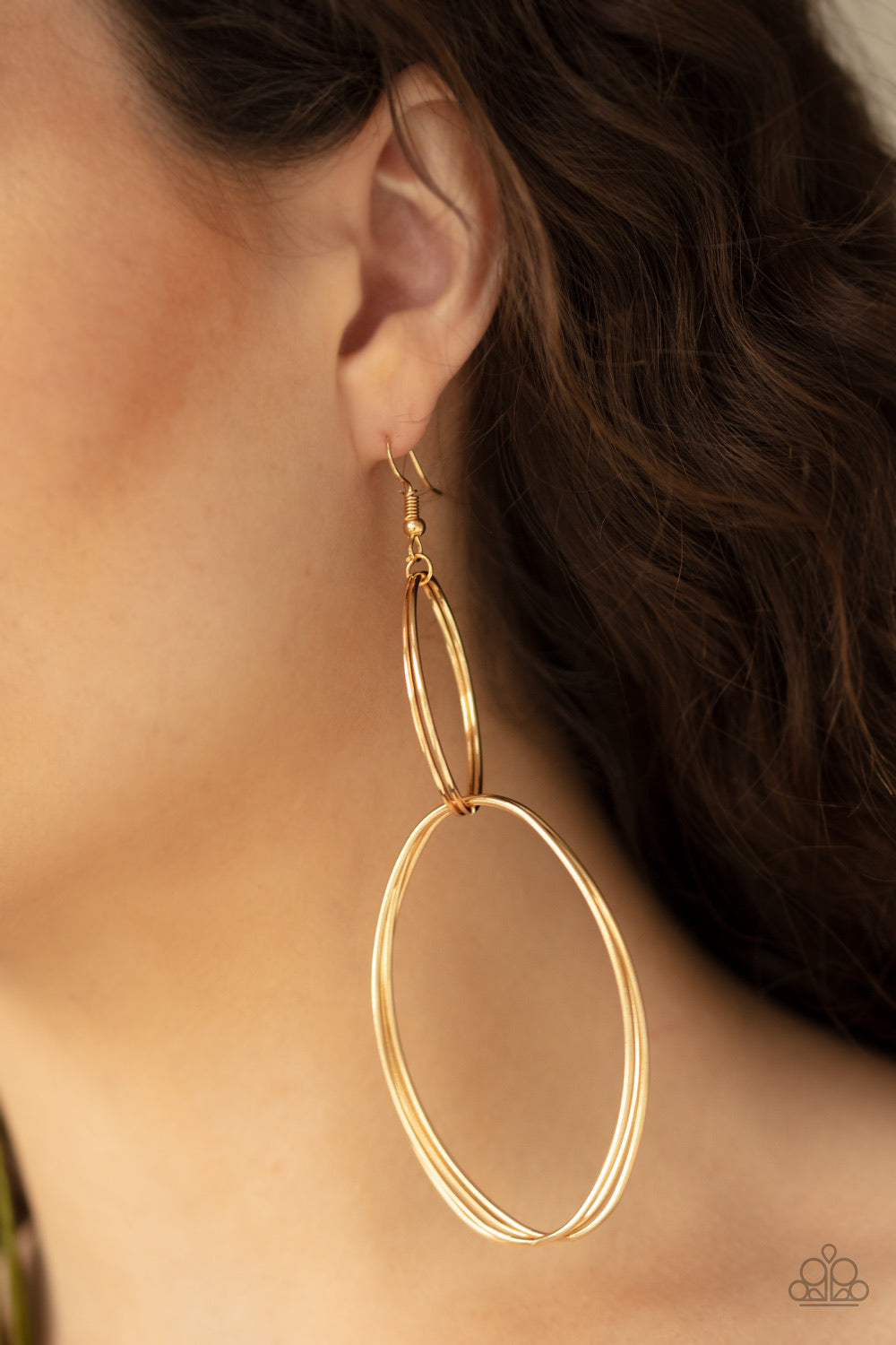 Paparazzi Jewelry Earrings Getting Into Shape - Gold
