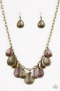 Paparazzi Jewelry Necklace  Storm Goddess - Brass