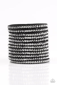 Paparazzi Jewelry Bracelet The Boss Is Back - Black