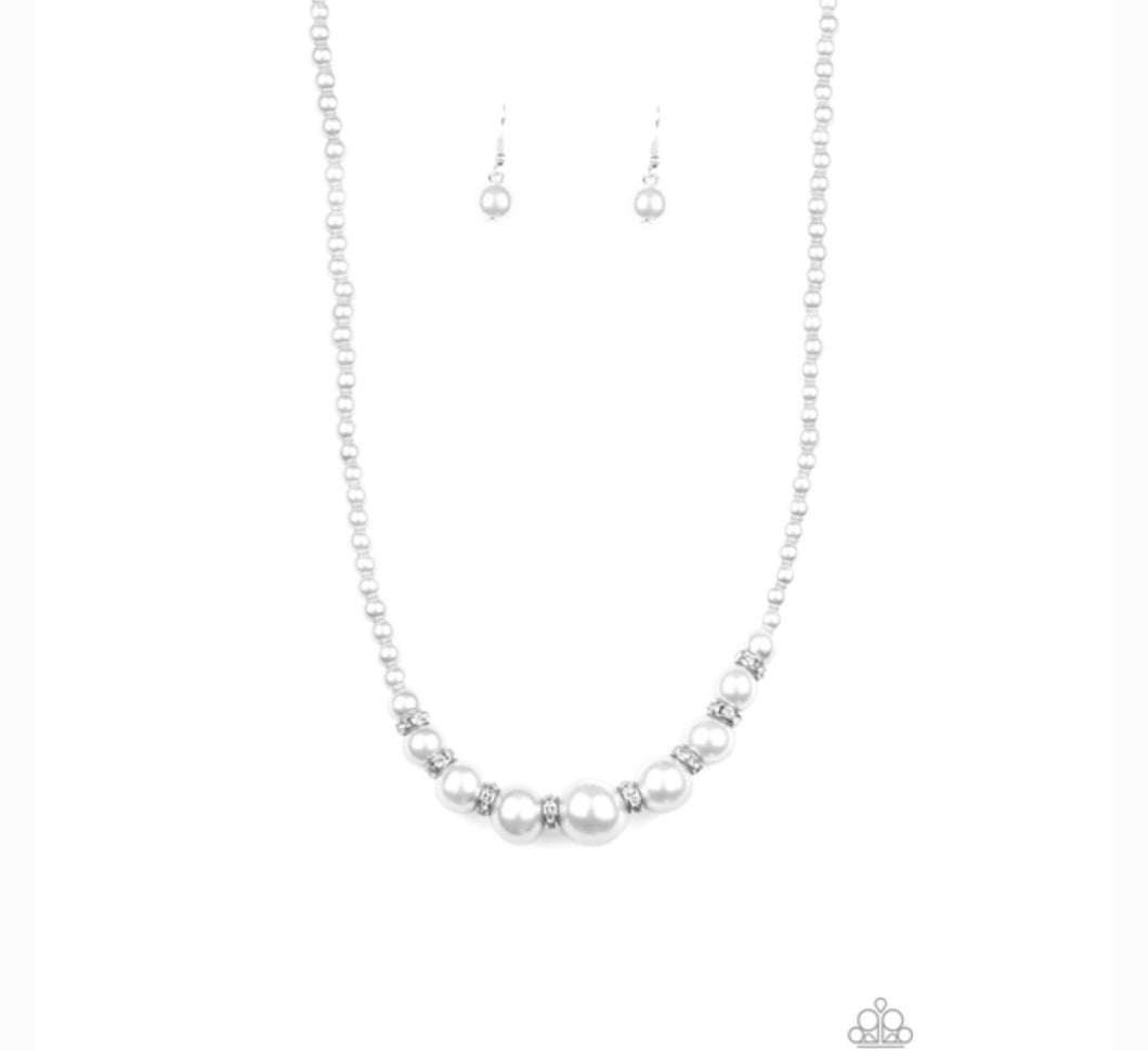 Paparazzi Jewelry Necklace SoHo Sweetheart - White