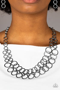 Paparazzi Jewelry Necklace Metro Maven - Black