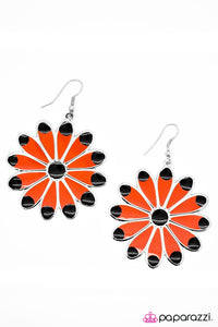 Paparazzi Jewelry Earrings Blooming Beauty
