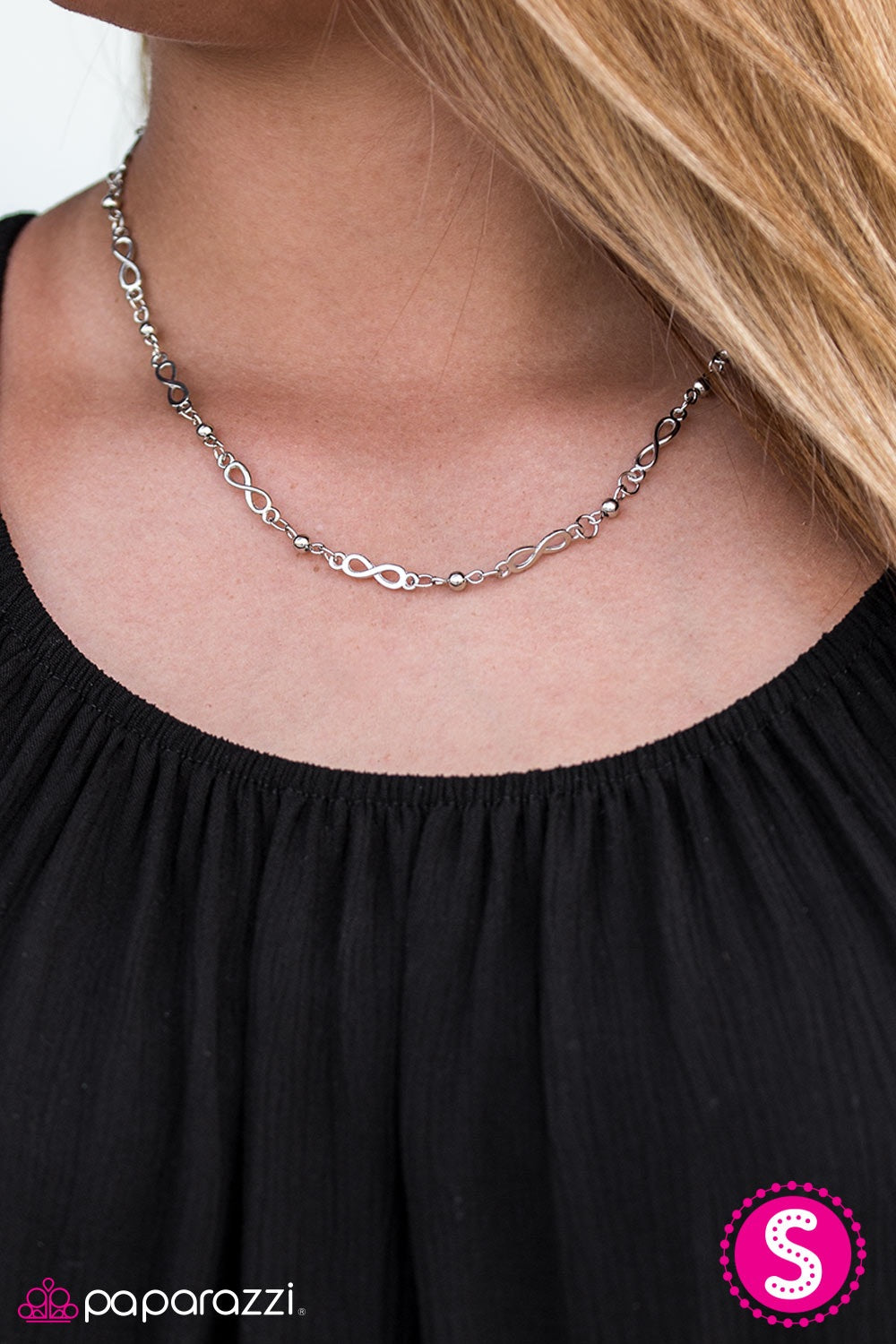 Paparazzi Jewelry Necklace Infinite Beauty - Silver