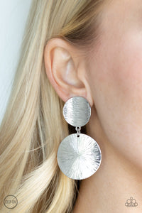 Paparazzi Jewelry Earrings BRIGHT On Cue - Silver