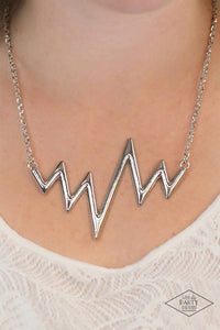 Paparazzi Jewelry Necklace In A Heartbeat - Silver