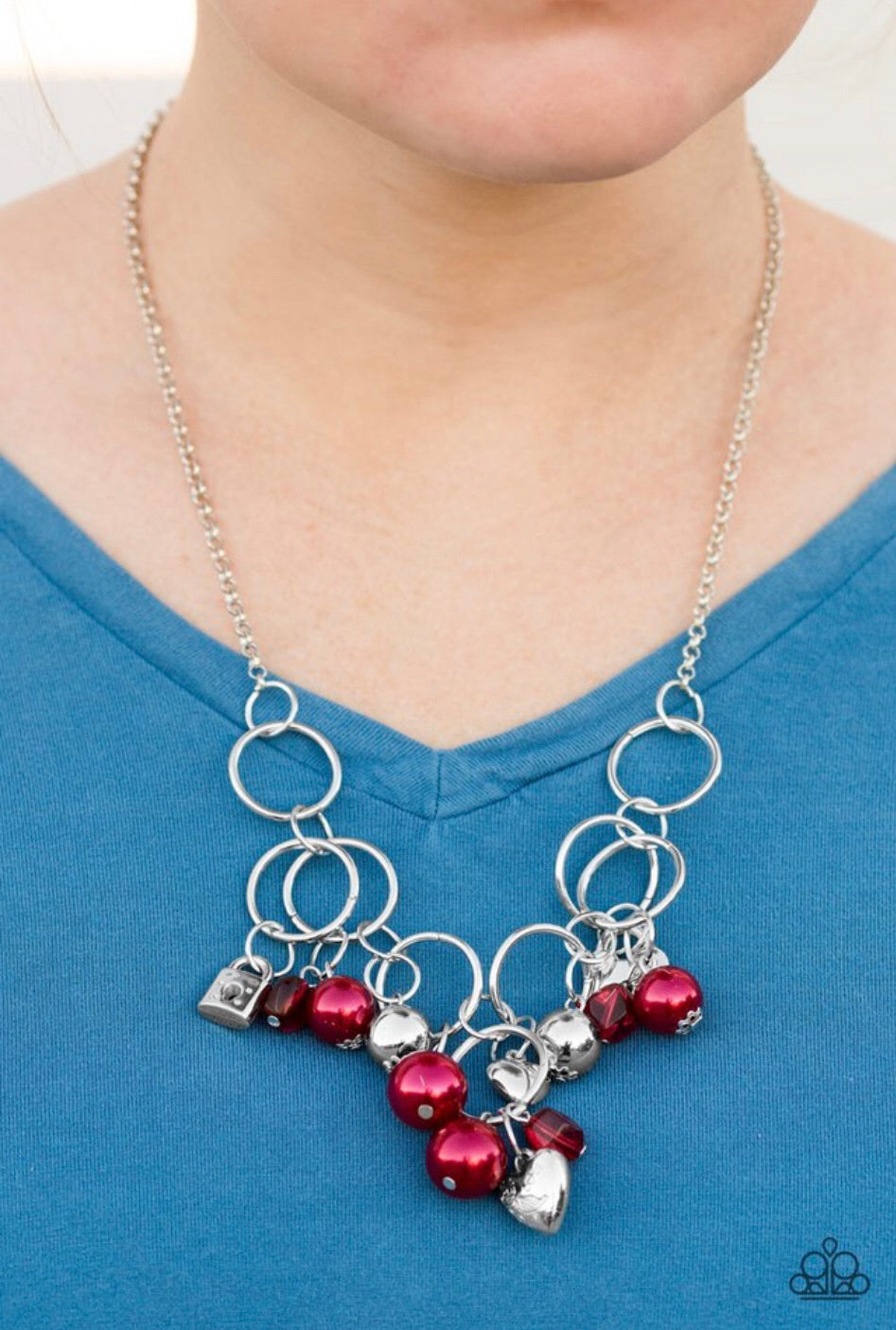 Paparazzi Jewelry Necklace In A Bind - Red