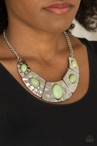 Paparazzi Jewelry Necklace RULER In Favor - Green