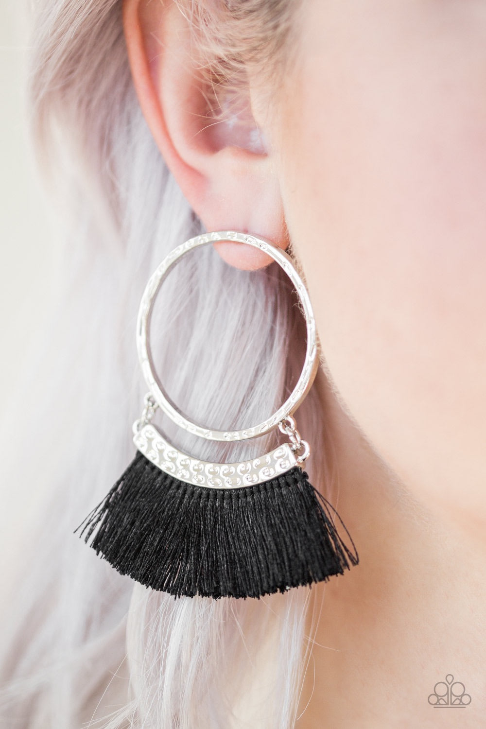Paparazzi Jewelry Earrings This Is Sparta! - Black