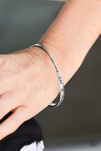Paparazzi Jewelry Bracelet Think Like A Boss - Silver
