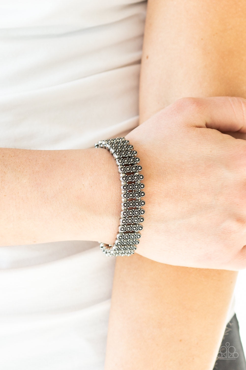 Paparazzi Jewelry Bracelet Rise With The Sun - Silver