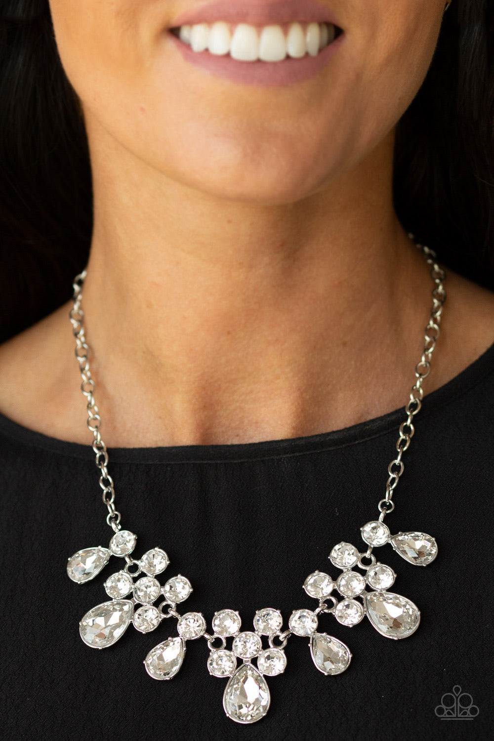 Paparazzi Jewelry Necklace Debutante Drama - White