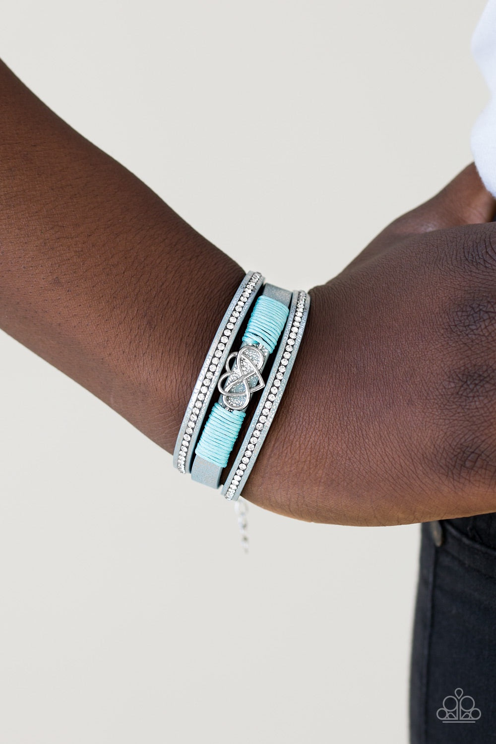 Paparazzi Jewelry Bracelet Hustlin Heart - Blue