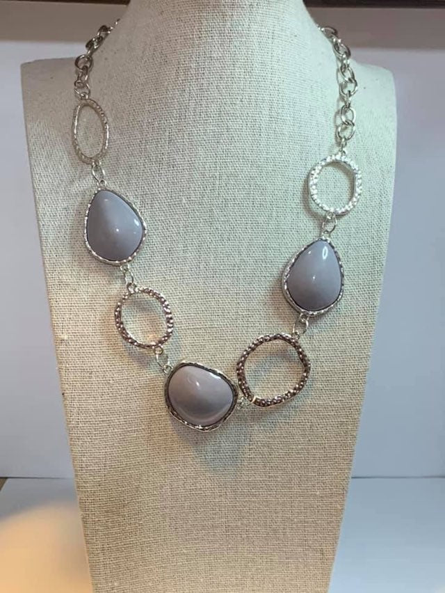 Paparazzi Jewelry Necklace Haute Heirloom Silver