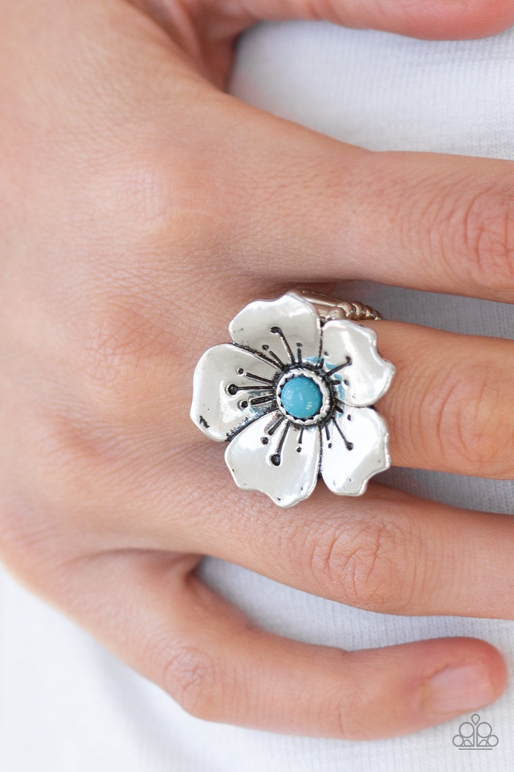 Paparazzi Jewelry Ring Boho Blossom - Blue