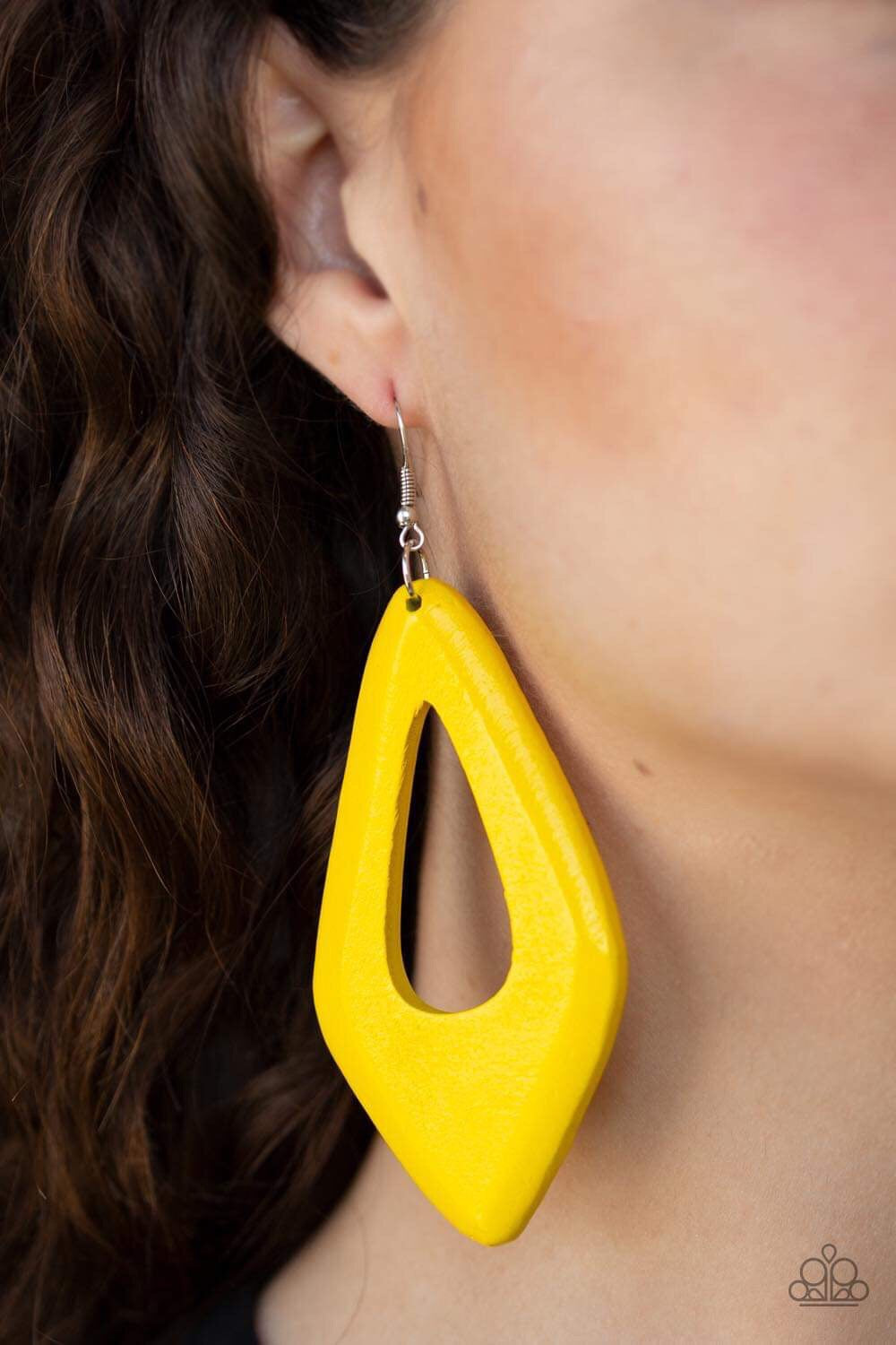 Paparazzi Jewelry Earrings A SHORE Bet - Yellow