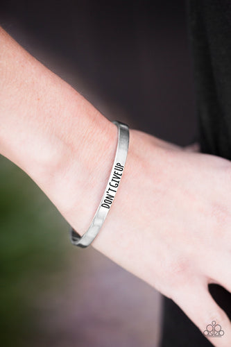 Paparazzi Jewelry Bracelet Dont Give Up - Silver