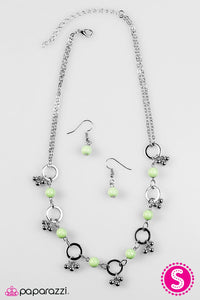 Paparazzi Jewelry Necklace SHORE As The Wind Blows - Green