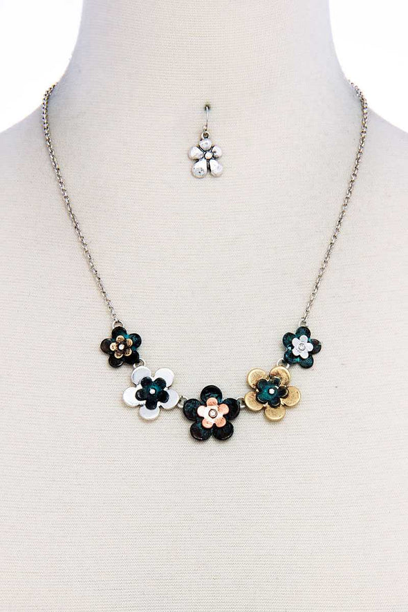 Chic Stylish Multi Flower Necklace And Earring Set - Babe Shoppe