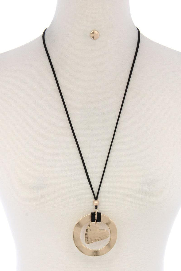 Hammered Circle Heart Shape Pendant Suede Necklace - Babe Shoppe