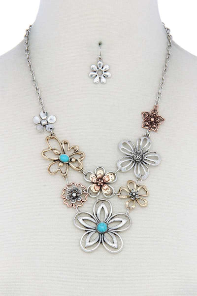 Metal Flower Necklace - Babe Shoppe