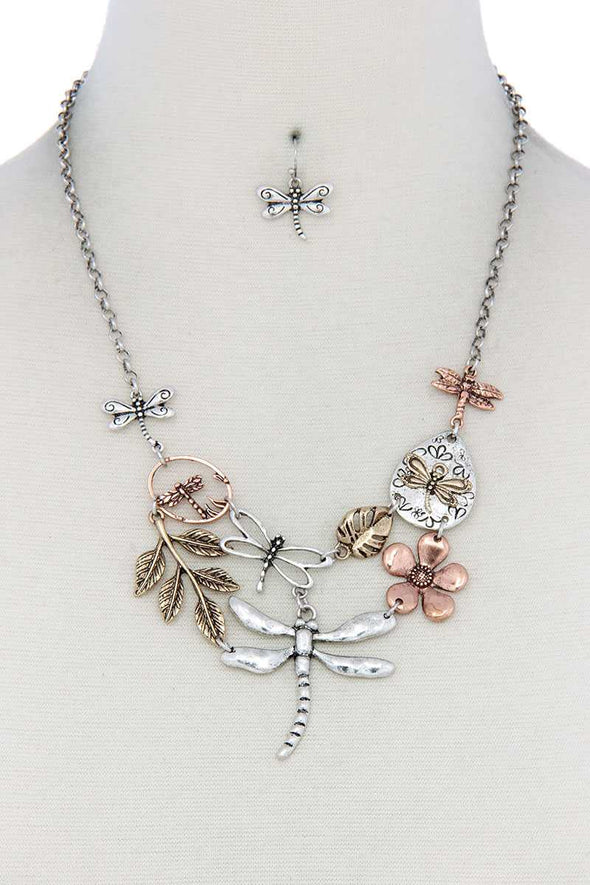 Dragonfly Bib Necklace - Babe Shoppe