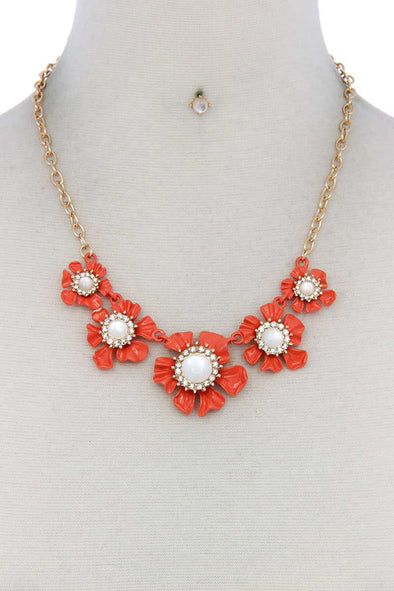 Floral Pearl Bead Necklace - Babe Shoppe