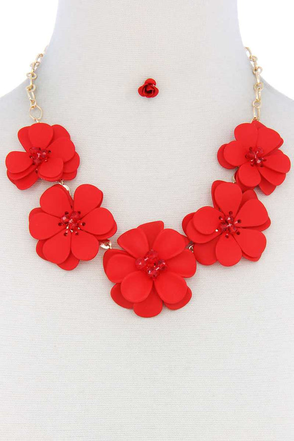 Floral Beaded Bib Necklace - Babe Shoppe