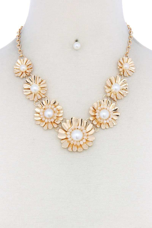 Metal Flowers Linked Necklace - Babe Shoppe