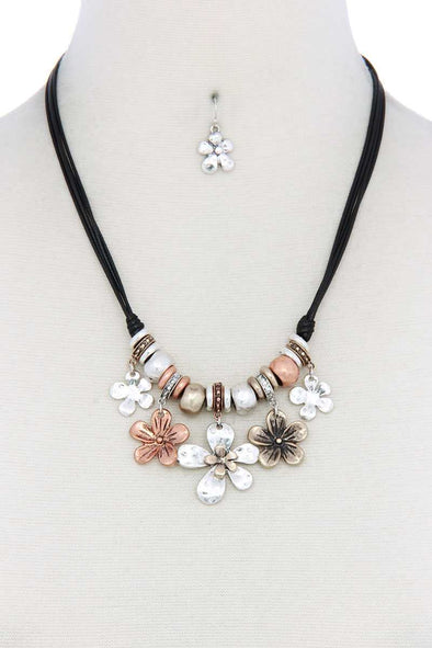 Tri Tone Flower Charm Pu Leather Necklace - Babe Shoppe