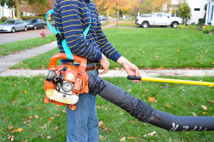 How do I use the Gutter Viper with my Hand Held Leaf blower?