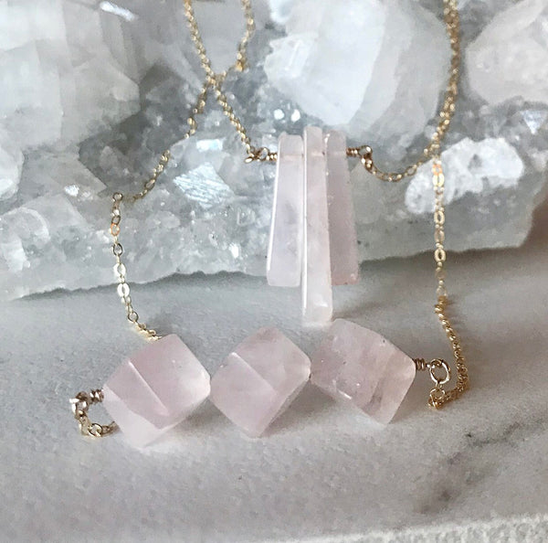 Dainty Rose Quartz Point Necklace, Delicate Raw Rose Quartz Crystal Necklace, Rose Quartz Layering Necklace, Three Stone Rose Quartz Pendant