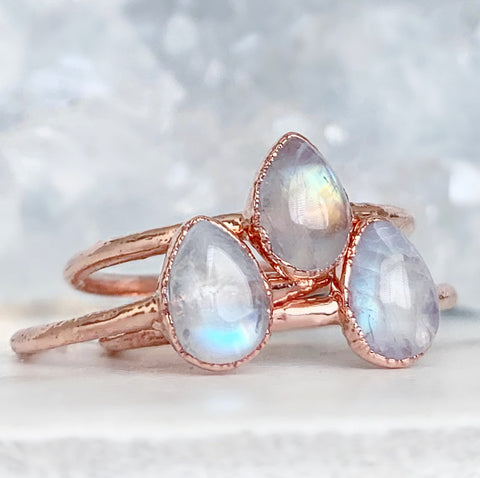 Moonstone Stacking Ring, Dainty June Birthstone Ring, Teardrop Moonstone Ring, Healing Stone Ring, Tiny Stone Ring, Raw Gemstone Ring