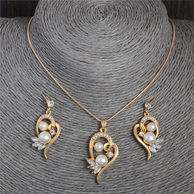Trendy Gold Pearl Heart Necklace and Earring Set