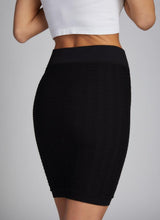 SEAMLESS TEXTURED SKIRT