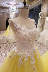The Giallo- Luxury Lace A-line Yellow Prom Floral Lace Appliqué