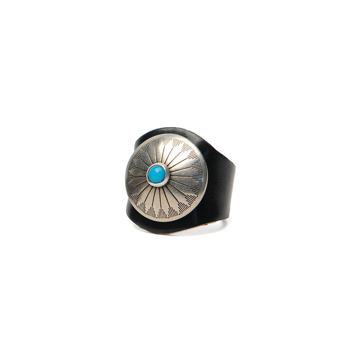 LEATHER RING WITH CONCHO - BLACK