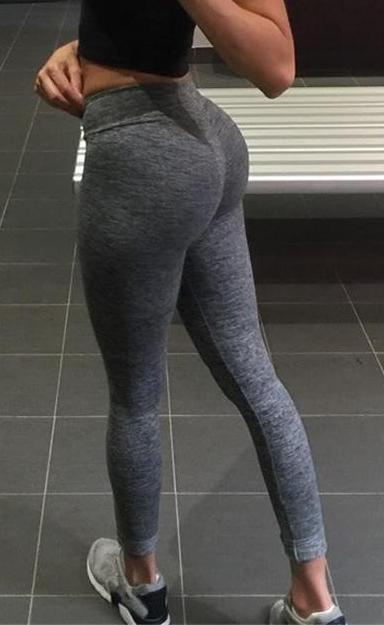 Sexy booty in yoga pants