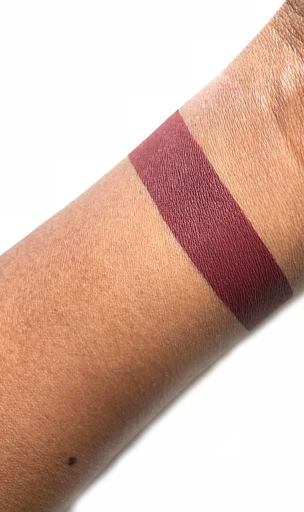 ROYAL REIGN - Matte Liquid Lipstick
