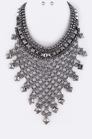 Striking Bib Necklace Set - Superior Boutique