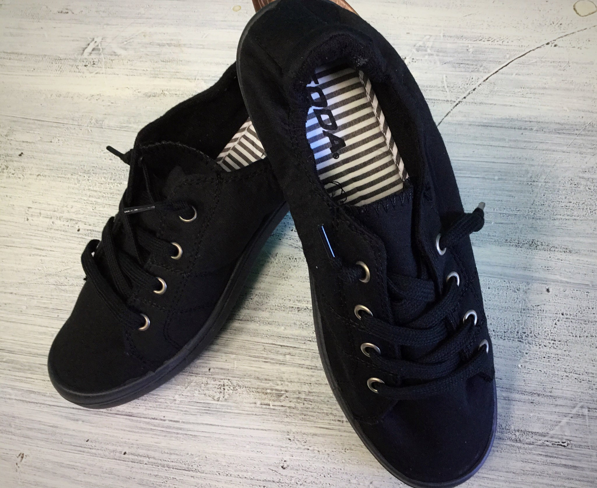 Black Soda Pop Tennis Shoe