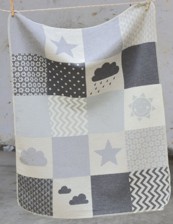 DAVID FUSSENEGGER - GREY CLOUDS - JUWEL BASSINET BLANKET