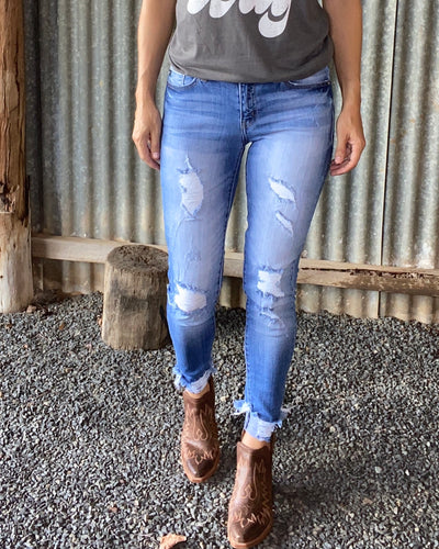 KanCan Comfy Distressed Skinnys