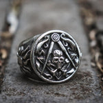 Skull Cross Bones and Compass with Silver Motif Masonic Ring - Bricks Masons
