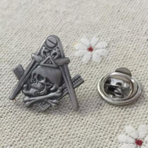 Skull and Crossbones Widow's Son Square and Compass Masonic Lapel Pin - Bricks Masons