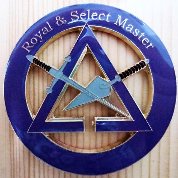 ROYAL & SELECT MASTER Car Emblem - Bricks Masons