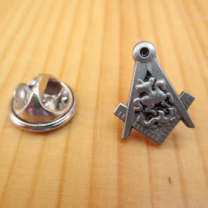 Knight Antique Silver Masonic Lapel Pin - Bricks Masons