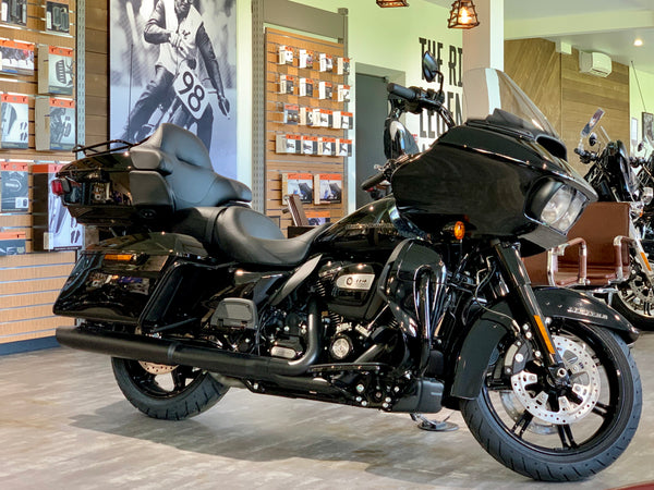 Road Glide Limited, BLACK Harley-Davidson, (2020)